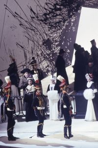 1992 The Queen of Spades, designed by Richard Hudson. Members Of The Glyndebourne Chorus In Act I