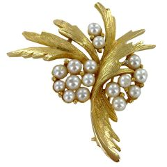Vintage Mid-Century Faux Pearl & Gold Brooch